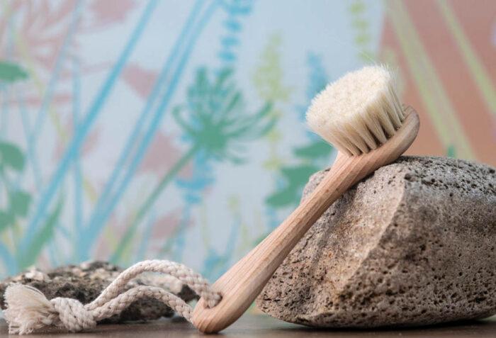 Cepillo Facial de Madera